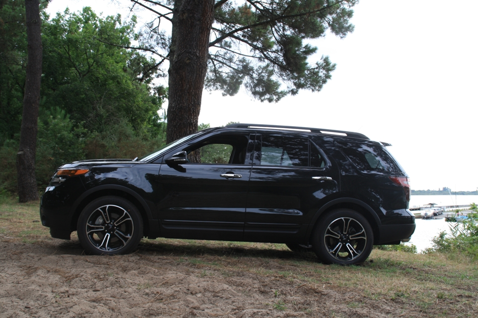 Ford Explorer noir