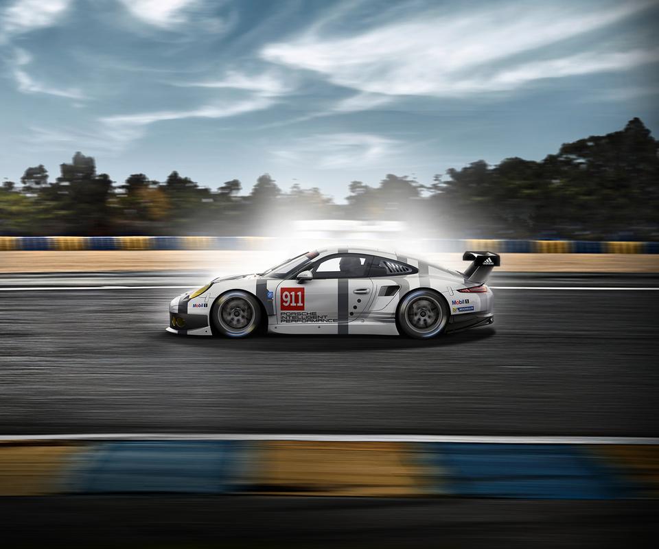 Comparatif : Porsche 991 et 911 RSR