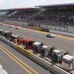 La ligne droite des stands des 24h du Mans