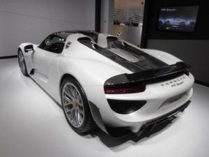 Le savoir-faire technologique de Porsche est réuni dans la 918 Spyder