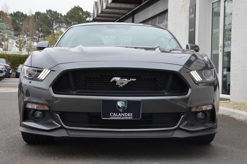 La Mustang 2015 V8 GT et son regard de requin