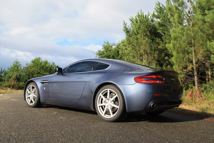 Aston Martin V8 Vantage design