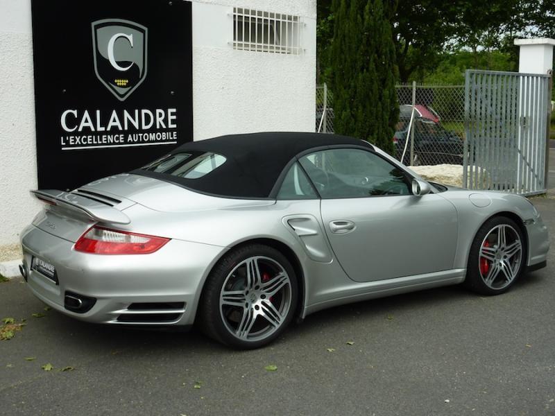 Les lignes incontournables de la Porsche 911