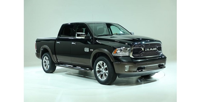 dodge d voile le nouveau pick up ram laramie longhorn. Black Bedroom Furniture Sets. Home Design Ideas