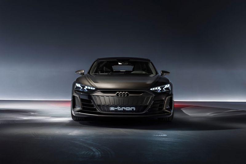 Audi se rend à Genève avec un stand 100% électrique et hybride