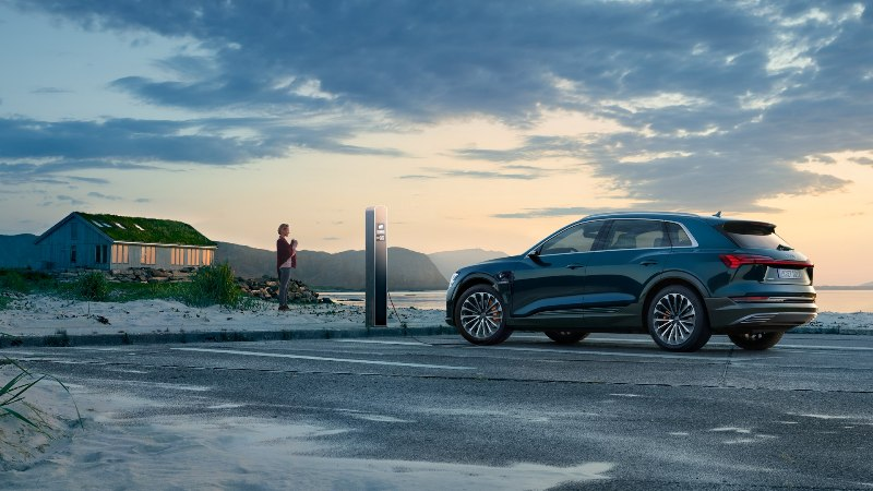 L'Audi e-tron est le SUV 100 électrique de la marque aux anneaux.